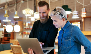 SEVEN STEPS TO CONNECT AND EMPOWER YOUR FRONTLINE WORKERS